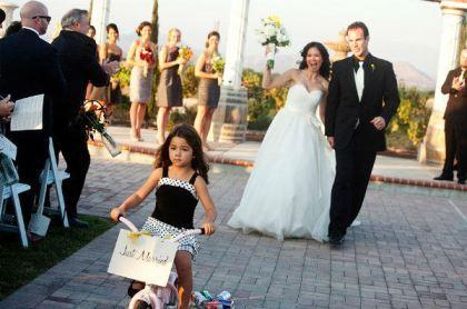 plaquinhas-entrada-e-saida-da-noiva-casamento (8)