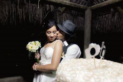 casamento-ao-ar-livre-economico-sem-grana-noivos-de-tenis-vestido-curto (12)