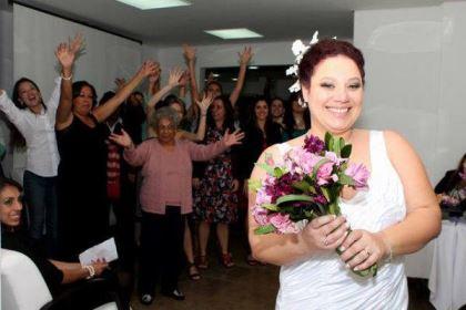 casamento-economico-5-mil-sao-paulo-salao-do-predio-decoracao-lilas (15)