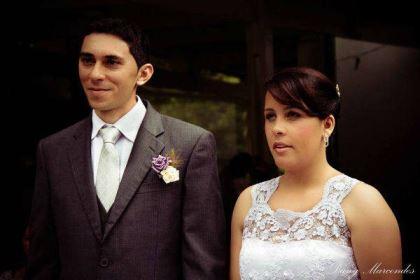 casamento-economico-pequeno-mini-wedding-de-manha-sao-paulo-sapato-roxo-decoraca-roxa-e-lilias (1)
