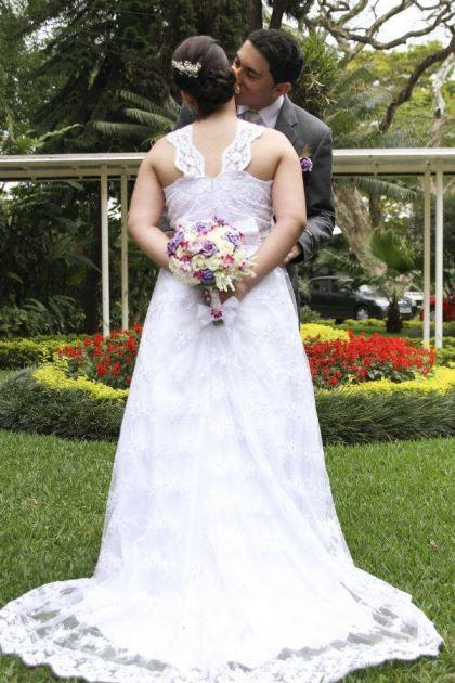 casamento-economico-pequeno-mini-wedding-de-manha-sao-paulo-sapato-roxo-decoraca-roxa-e-lilias (17)