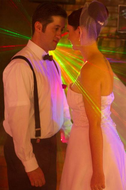casamento-economico-retro-anos-50-curitiba-parana-vestido-de-noiva-curto-festa-salao-da-igreja (27)