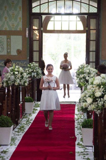 casamento-economico-retro-anos-50-curitiba-parana-vestido-de-noiva-curto-festa-salao-da-igreja (9)