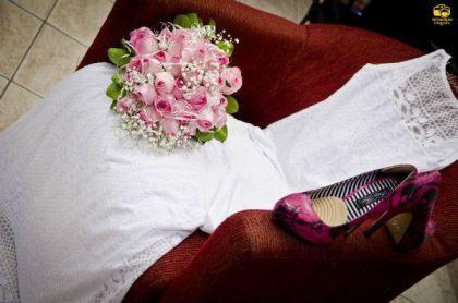 casamento-economico-menos-5-mil-goias-noiva-de-preto-bolo-e-champanhe (1)