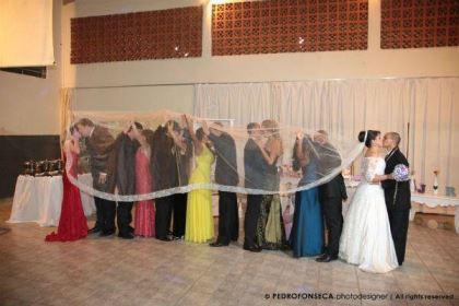 casamento-economico-minas-gerais-350-pessoas-12-mil-reais-decoraca-faca-voce-mesmo-buque-de-feltro-noiva-de-all-star (21)