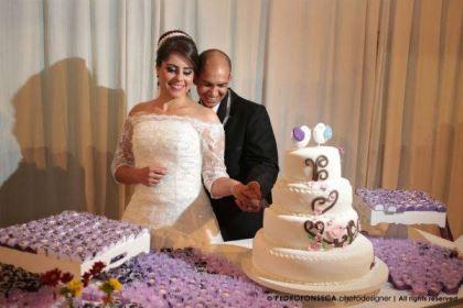 casamento-economico-minas-gerais-350-pessoas-12-mil-reais-decoraca-faca-voce-mesmo-buque-de-feltro-noiva-de-all-star (23)