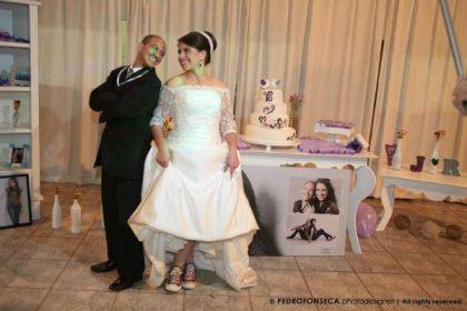 casamento-economico-minas-gerais-350-pessoas-12-mil-reais-decoraca-faca-voce-mesmo-buque-de-feltro-noiva-de-all-star (25)