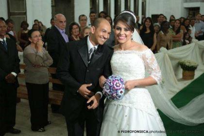 casamento-economico-minas-gerais-350-pessoas-12-mil-reais-decoraca-faca-voce-mesmo-buque-de-feltro-noiva-de-all-star (7)