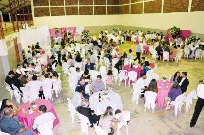 casamento-economico-espirito-santo-decoracao-rosa-e-branco-7500-reais (21)