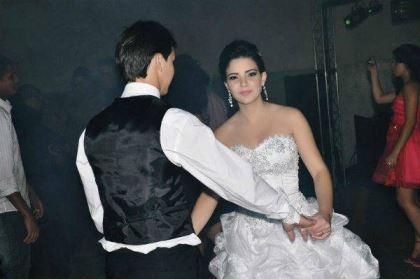 casamento-economico-espirito-santo-decoracao-rosa-e-branco-7500-reais (23)