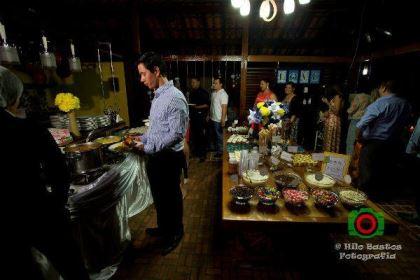 casamento-economico-manaus-amazonas-quintal-de-casa-decoracao-faca-voce-mesmo-amarelo-e-azul (30)