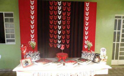 cha-de-lingerie-preto-e-vermelho-cortina-de-lingerie-faca-voce-mesmo (1)