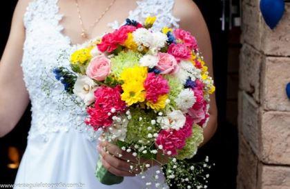 coracoes-coloridos-casamento-colorido-ar-livre-fernanda-e-rafael (20)