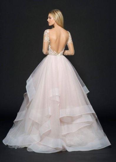 Tendência em vestidos de noiva. Fonte Pinterest/Miabellacouture